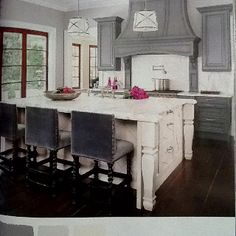 Sherwin-Williams: Earl Grey, crushed ice, and Greek villa. From Color Made Easy magazine.