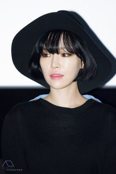 So gorgeous. I want this look at my funeral, lol. Au Ideas, Ga In, Brown Eyed Girls, Asian Makeup, Brown Eyes, Funeral, Korean Girl, Bangs, Makeup Looks
