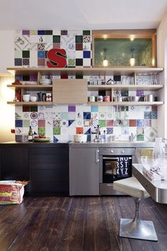 A Tiny German Apartment Packed Full of Personality (and Books!) | Apartment Therapy