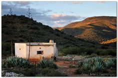 . Village Photography, Landscape Photography, Farm Houses, Old Houses, South African Artists, Old Farm, Modern Buildings, Wild Things, Acrylics