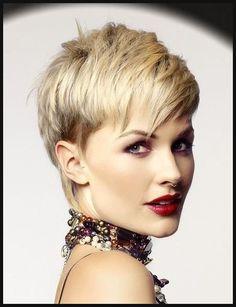 Richtig kurz und trotzdem sehr weiblich! Diese Frisuren sind eine ...   Einfache Frisuren