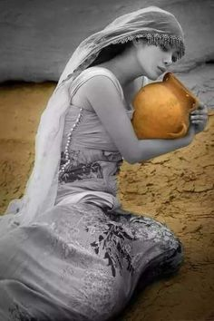 Splash of Color Splash Photography, Color Photography, Black And White Colour, Black And White Pictures, Color Mixing, Color Pop, Gold Colour, Color Splash Photo, Splash Images