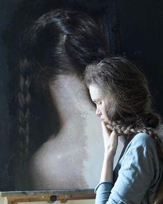 the DOORS ⠀ ⠀  fresh painting in process. ⠀ ⠀  #womenartists #contemporaryrealism #figurativerealism #nude #artistinstudio #womanportrait #contemporaryartist #figurativeart #artstudio #artist #SavenkovaViktoria