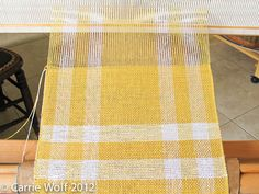 Carrie Wolf - Rigid Heddle Weaving Pattern - Yellow and White Gingham