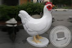 Una gallina gigante in cortile?.........e perchè no!