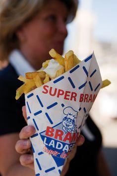 De puntzak van Bram Ladage / Cone of chips of Bram Ladage in Rotterdam