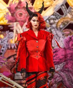 Violet Chachki for Dilara Findikoglu @ London Fashion Week London Fashion Weeks, St Andrews, Rupaul, Dilara Findikoglu, Violet Chachki, Club Kids, Fashion Show, Fashion Design, Queer Fashion