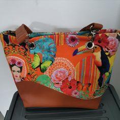 Sac Samba en simili cuir et imprimé coloré cousu par Cyrielle - Patron Sacôtin