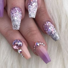 As many may know A few weeks back I did a giveaway for a free full set holiday glow in the dark nails and the winner was @sammibindics  of course I had to do purple !! It was a pleasure giving someone as kind as her a gift! Thank you and congrats again @sammibindics  Happy holidays ! Xo