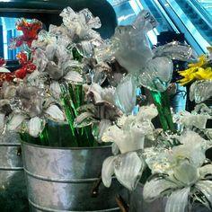 "Instagram via @kcsimzer ""Glass Flower Truck #Corning Museum of Glass"""