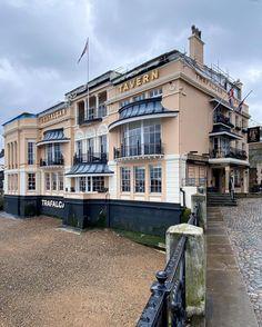 @skyeoneill Trafalgar Tavern, Greenwich London, Mansions, House Styles, Home Decor, Decoration Home, Manor Houses, Room Decor, Villas, Mansion