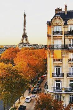 Paris in fall with Eiffel Tower and autumn trees - Mia Iasmina. Hotel New York, Hotel Paris, Paris Hotels, Tour Eiffel, Places To Travel, Places To See, Travel Destinations, Restaurants In Paris, Little Paris