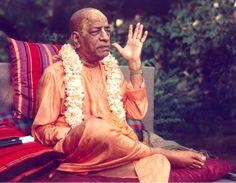 Limited and Unlimited Consciousness Krishna Love, Hare Krishna, Saints Of India, Attributes Of God, Srila Prabhupada, Consciousness, Pure Products, Couple Photos, Jay