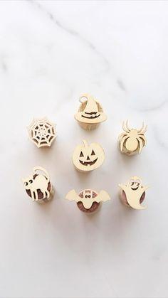 Fun Diy Crafts, Cork Crafts, Preschool Crafts, Fall Crafts, Holiday Crafts, Halloween Crafts For Kids, Holidays Halloween, Halloween Diy, Art Activities For Kids