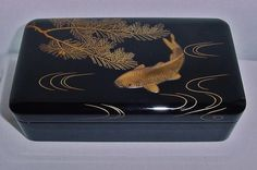 SIGNED Museum Quality JAPANESE Lacquer BOX Raised FISH Incredibly EXQUISITE Art