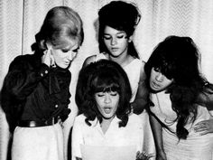 Dusty Springfield + the Ronettes.
