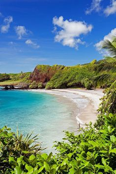 Hamoa Beach in Maui, Hawaii // world's best beaches // Hana Maui // whitesand // secluded