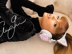 Ariana Grande Launches Cat-Ear Headphones #RueNow are AMAZING are so PERFECT´S!!!!!!!!!!!! I LOVED
