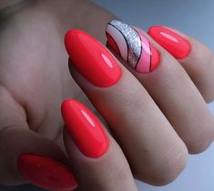 The advantage of the gel is that it allows you to enjoy your French manicure for a long time. There are four different ways to make a French manicure on gel nails. Red Nails, Hair And Nails, Cute Nails, Pretty Nails, Red Nail Designs, Latest Nail Art, Manicure E Pedicure, Perfect Nails, Nail Arts