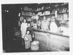 Zuccaro Grocery Store, E. 30th, Cleveland, Ohio, ca. 1926. Italian American Archives in Northeast Ohio: Western Reserve Historical Society