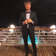 Sign of a Most Excellent Master Illuminati Bon Jovi, Cool Bands, Sunnies, Handsome, Singer, Poses, Illuminati, Guys, Instagram