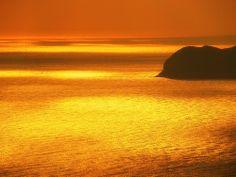 Isola d'Elba *    Il riflesso dorato del sole   *    Golden reflections of the sun   *    #TuscanyAgriturismoGiratola