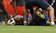 Iniesta pode pegar o Real se voltar no prazo mínimo da recuperação da lesão #globoesporte