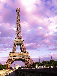 Eiffel Tower by Emikokolala