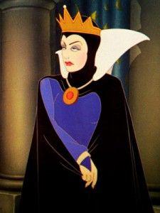 La Reine / Evil Queen - Blanche-Neige et les Sept Nains (Snow White and the Seven Dwarfs) Walt Disney, Disney Love, Disney Magic, Disney Art, Disney Evil Queen, Disney Villains, Disney Films, Disney Princesses, Snow White 1937