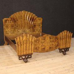 1800€ Italian bed in burl walnut in Art Deco style. Visit our website www.parino.it #furniture #lacquer #antiquities #antiquario #bed #lit #letto #decorative #interiordesign #homedecoration #antiqueshop #antiquestore
