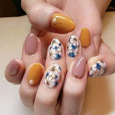 Fall Nail Art Designs that Will Completely Beautify Your Look – Page 3 – Cocopipi Flower Nail Designs, Fall Nail Art Designs, Simple Nail Designs, Cute Acrylic Nails, Cute Nail Art, Gel Nail Art, Neon Nails, Nail Art Toes, Daisy Nails