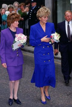 Diana, Princess of Wales with her sister Lady Sarah McCorquodale in 1992