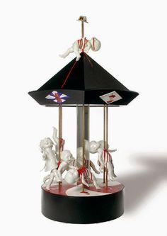 Similar to the British artist Jessica Harrison who adds blood and gore to Victorian-like ceramic figurines, Danish-born Maria Rubinke creates. Creepy Art, Weird Art, Porcelain Dolls Value, Ceramic Artists, Sculpture Art, Ceramic Sculptures, Decoration, Photo Art, Cool Art