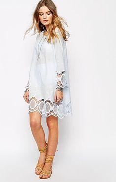 ASOS(エイソス) の女性らしい奇麗なラインを表現してくれるスイングドレス (Glamorous Cotton Chambray Swing Dress)です。通販だからできる割引価格でお届けします。