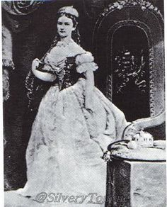 Photo of Empress Sissi in a traditional Hungarian gown.