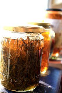 Fermente Mutfağım: Evde Bitki Yağı Yapılışı