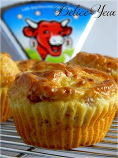 Muffins 696228423615674820 - Muffins Bacon & Vache qui rit ® Plus Source by cazalot_florine Quiche Muffins, Bacon Muffins, Mini Muffins, Muffin Recipes, Breakfast Recipes, Brunch Recipes, Tapas, Cake Factory, Cold Appetizers