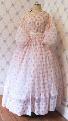 "Civil War Era 1860s Vtg Cotton Print 2 Piece Gown All Handsewn   eBay seller jewelryhrslvr; cartridge pleating on sleeve & skirt, lace edged cuff, waist: 23"", (sleeves stuffed to show fullness); cotton voile fabric; bust: 32""l waist to hem: 42"""