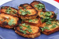 Fried bread: the recipe for a simple and inexpensive appetizer Inexpensive Appetizers, Yummy Appetizers, Cheese Fries, Cheese Bread, Antipasto, Stale Bread, Slice Of Bread, Vegetarian Cheese, Cheap Meals