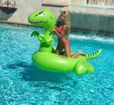 Going swimming babes! I got a new floatie too! Im a T-Rex and he is too. Anyone wanna join us? Summer Pool, Beach Pool, Summer Fun, Summer Fashion For Teens, Teen Fashion, Fashion Ideas, Beach Fashion, Good Instagram Posts, Lake Toys