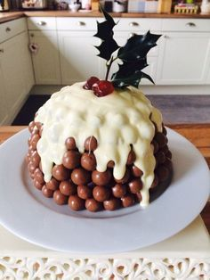 This Christmas Malteser Cake recipe is a fun and chocolatey modern version of a Christmas Pudding. This Christmas Malteser Cake recipe is a fun and chocolatey modern version of a Christmas Pudding. Xmas Food, Christmas Cooking, Christmas Desserts, Christmas Treats, Diy Christmas, Christmas Cakes, Christmas Decorations, Christmas Foods, Family Christmas