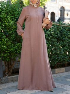 SHUKR's long dresses and abayas are the ultimate in Islamic fashion. Halal standards, ethically-made, international shipping, and easy returns. Muslim Women Fashion, Islamic Fashion, Hijab Dress, Dress Muslimah, Moslem Fashion, Abaya Fashion, Women's Fashion, Abaya Designs, Hijab Fashion Inspiration