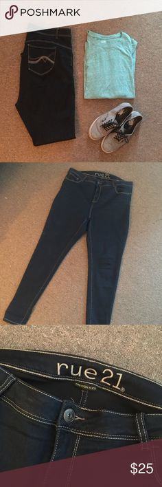 Super Trendy Freedom Flex Skinnies Size 18 Super Trendy Freedom Flex Skinnies Size 18 by Rue 21. Super dark in color and so hot!!  They are high waisted Skinnies but they are slightly to long for my 5'2 height. I prefer ankle length. Wore once. Rue 21 Jeans Skinny