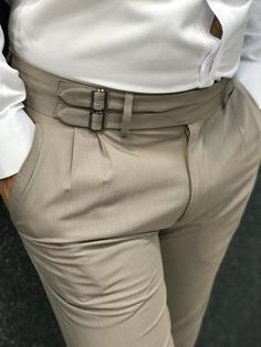 Product Name : Bernard Corset Cream Belted Slim Pants Color: Cream Style: Slim Fit Size: [ ]Material: Polyester, Cotton, Lycra Wash Type: Dry Cleaning Only Collection : 2019