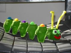 Egg carton caterpillar (Lesson: Dealing with Changes) Craft Activities For Kids, Preschool Activities, Projects For Kids, Craft Projects, Crafts For Kids, Egg Carton Caterpillar, Caterpillar Craft, Hungry Caterpillar, Egg Carton Crafts