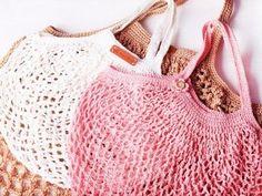 Crochet amigurumi 556124253987494773 - Faire un sac filet au crochet Source by Filet Crochet, Knitting Needle Case, Crochet Market Bag, Net Bag, Kimono Cardigan, Knitted Bags, Crochet Bags, Blog Crochet, Garter Stitch