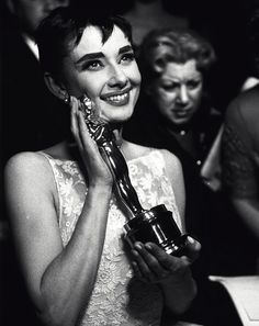 Audrey Hepburn at the 26th Annual Academy Awards, 1954.    Happy Oscars Night, lovelies!