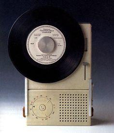 Braun TP2 portable turntable