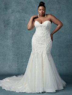 Elegant wedding dress idea with embellished bodice and tulle skirt - Style Quincy by Maggie Sottero - Learn more about this Maggie Sottero dress on WeddingWire! size wedding dresses fit and flare Wedding Dress out of Maggie Sottero - Quincy Western Wedding Dresses, Plus Size Wedding Gowns, Elegant Wedding Dress, Modest Wedding Dresses, Boho Wedding, Event Dresses, Tulle Wedding, Dress Wedding, Mermaid Wedding