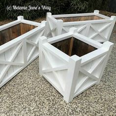 Hampton Home and Garden Furniture for sale Hamptons Style Bedrooms, Hamptons Style Decor, Hamptons House, The Hamptons, Diy Wood Planters, Garden Planter Boxes, Outdoor Planters, Pallet Planter Box, Garden Beds